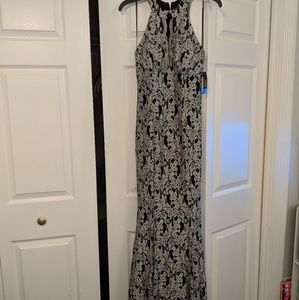 Black and silver mermaid silhouette dress